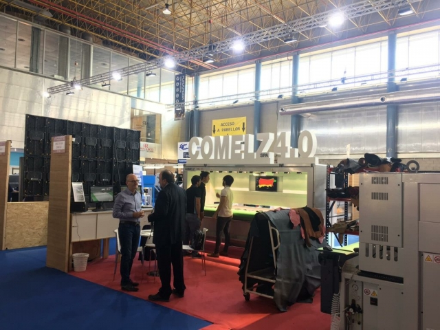 COMELZ STAND 3