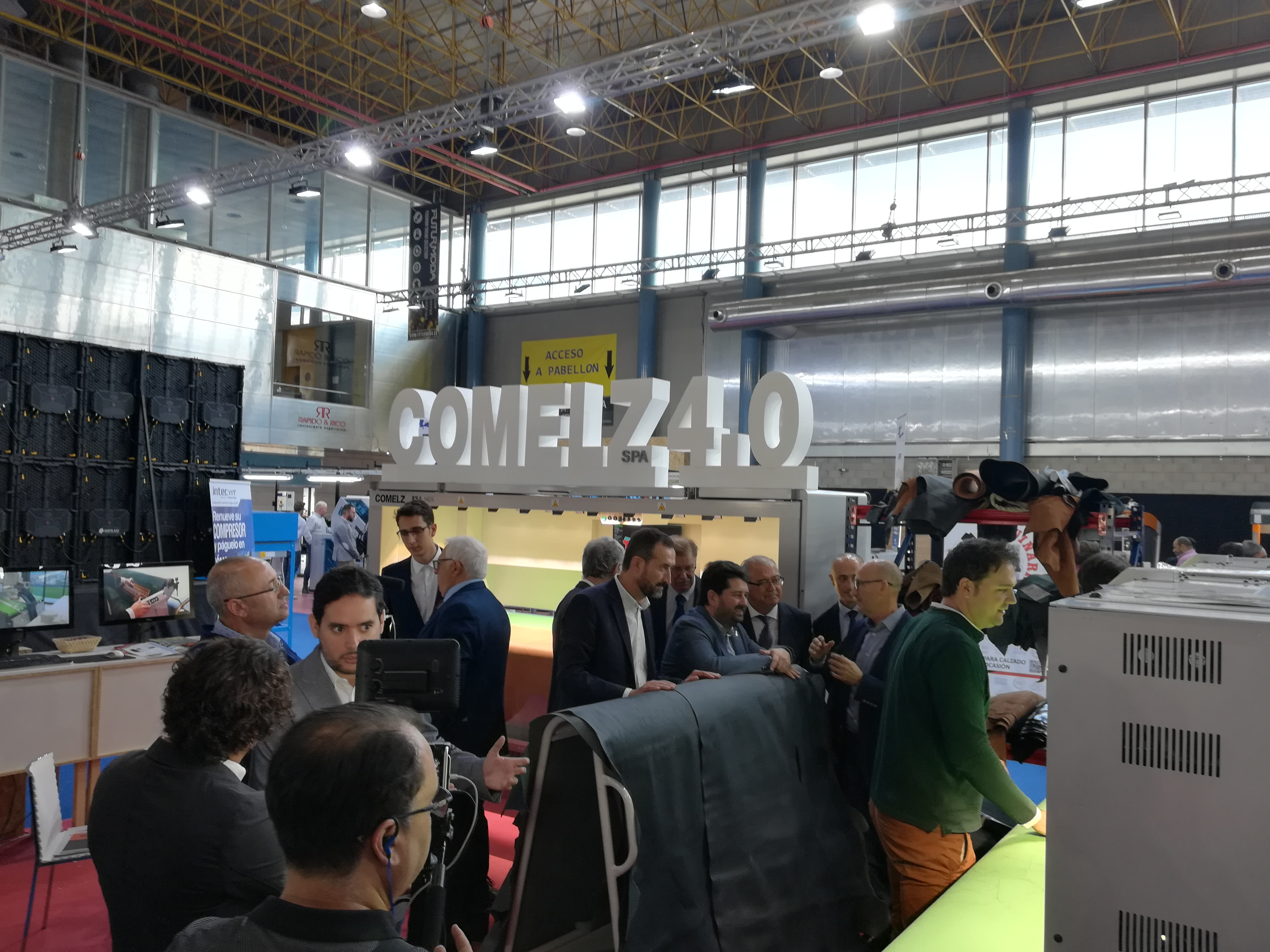 COMELZ STAND 1